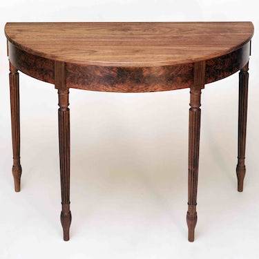 Demi-lune table