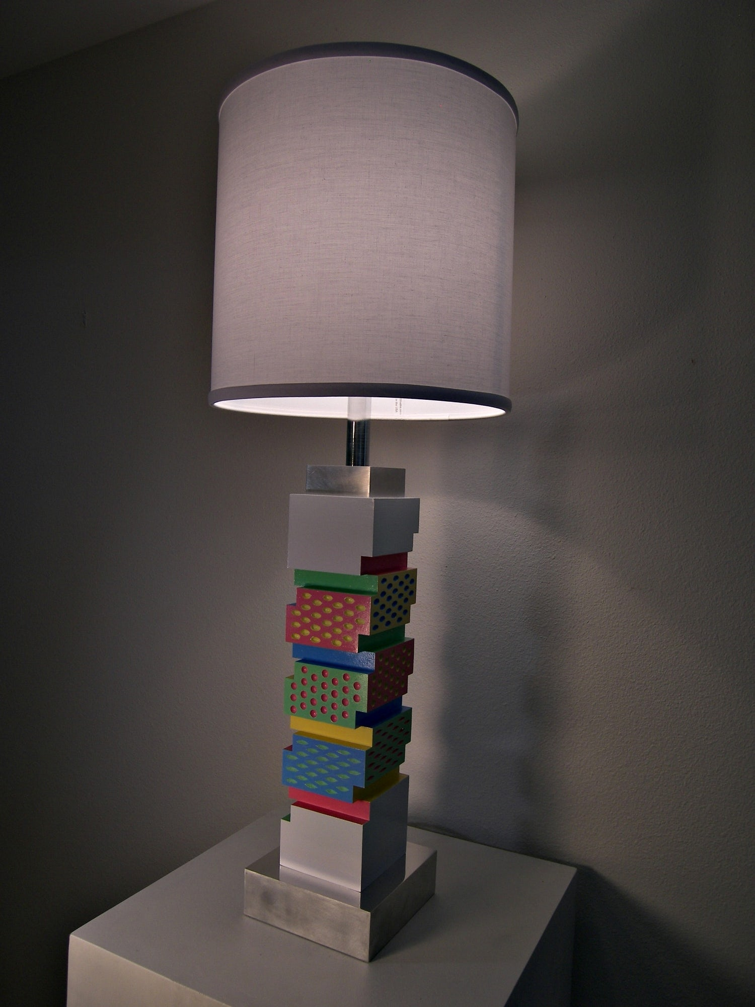 Colored texture lamp