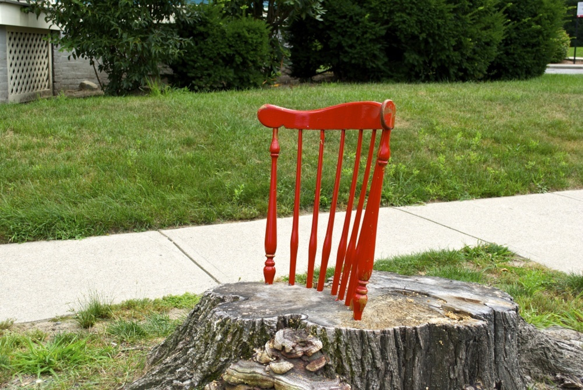 Red_chair1-e1392490336489