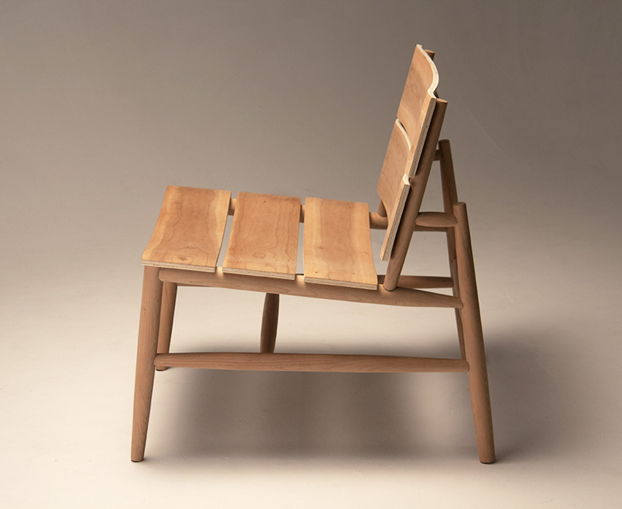 Pick-up lounge chair