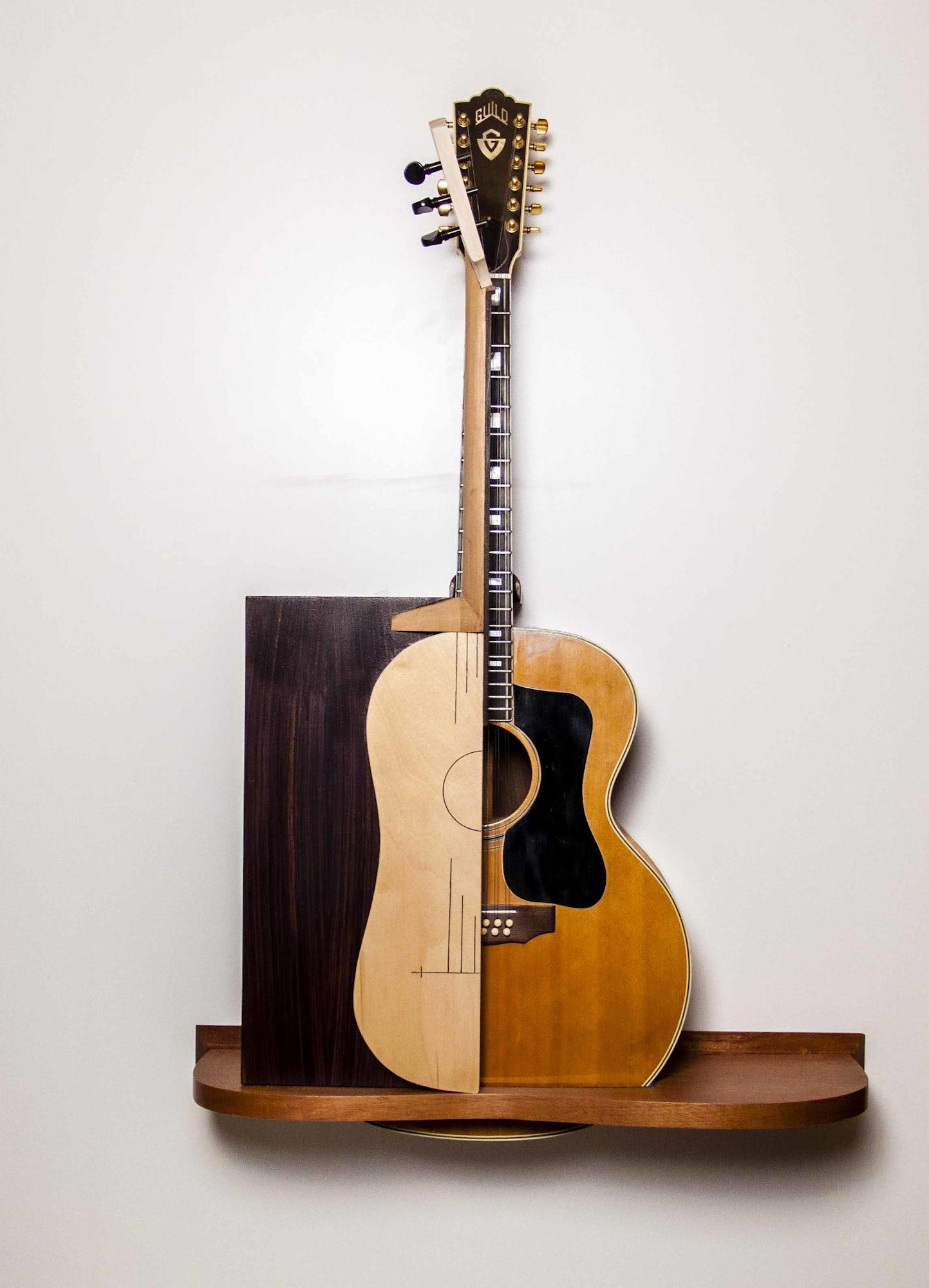 Guitar-Stand-a-la-Picasso