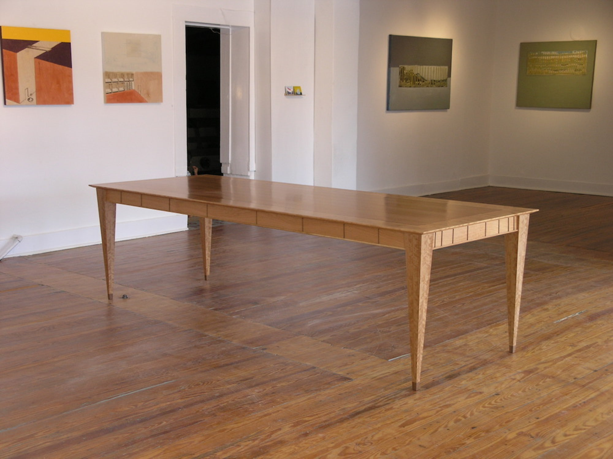 Table-for-Gallery-Urbane